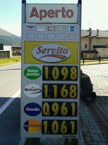 COSTO CARBURANTE/ CONFINE ITALO SVIZZERO/DATA 02/08/2012