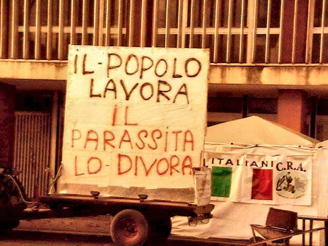 Manifestazione- Popolo Lavora il Parassita lo divora