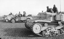 Bundesarchiv_Bild_101I-784-0208-17A,_Nordafrika,_italienische_Panzer.2